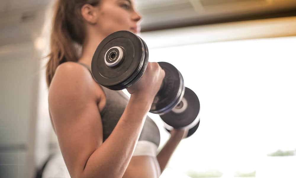 Aparatos de gym: equipo básico para tener en casa