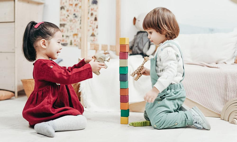 Descubre las características de la infancia en sus diferentes etapas.